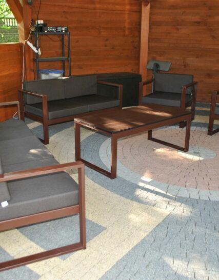 Poduszki ogrodowe na meble stalowe wykonane na wymiar brązowe.